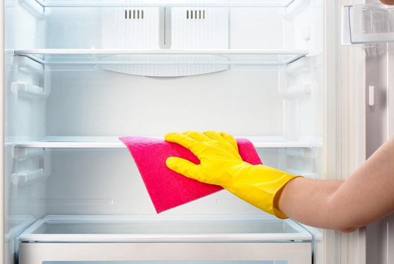 Limpando geladeira